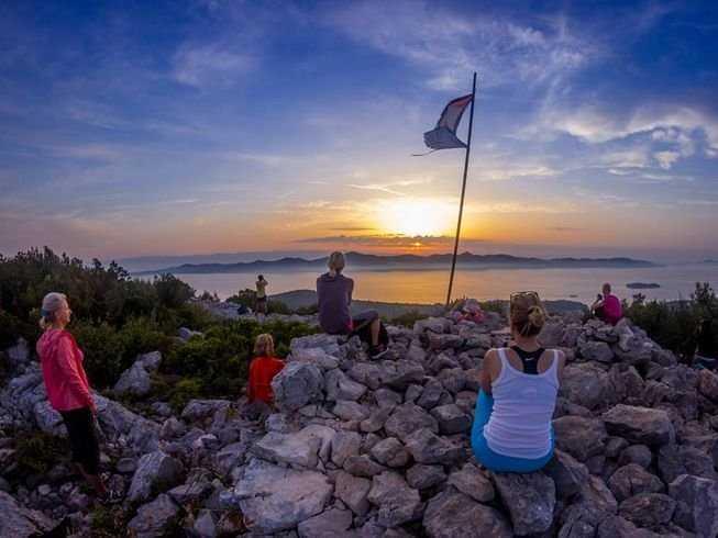 19 Days 200-Hour Intensive Yoga Teacher Training by the Sea in Iz, Croatia