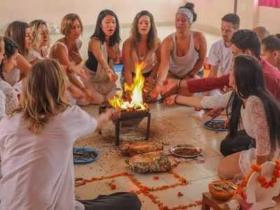 21 Tage Multi-Style Yogalehrer Ausbildung von der indischen Yogaschule in Deutschland