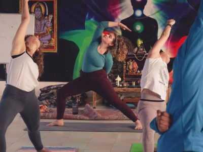 8 Tage 50-Stunden Multi-Style Yogalehrer Ausbildung von der Indischen Yogaschule in Deutschland