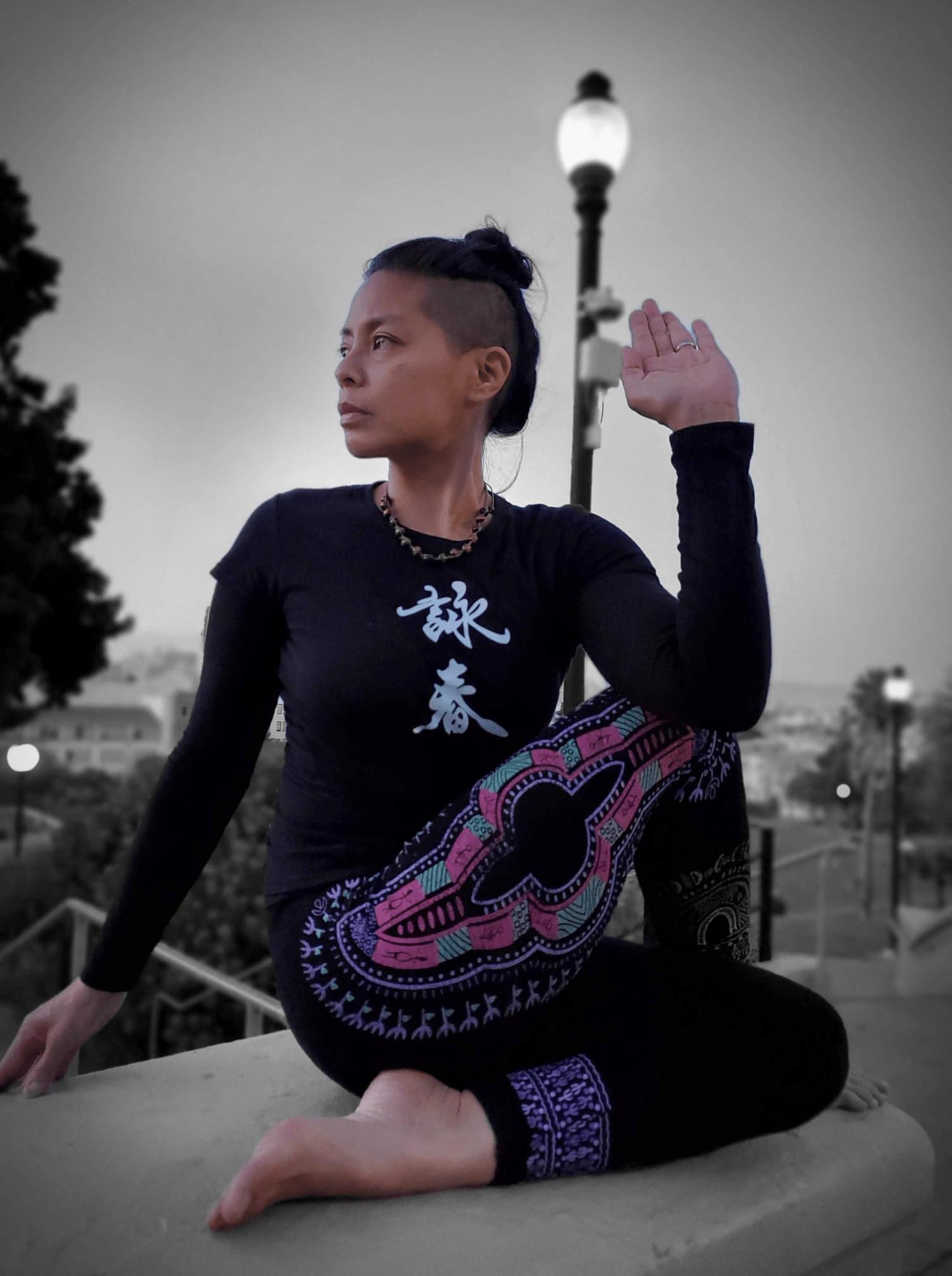 60 Minute Free Live Stream Online Yoga with Mia Velez — OR 1